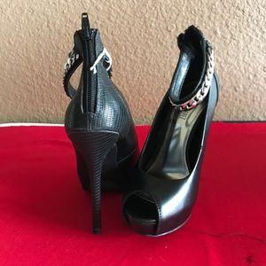 """*Sold* Jennifer Lopez Size 5. 5"""" stilettos"""